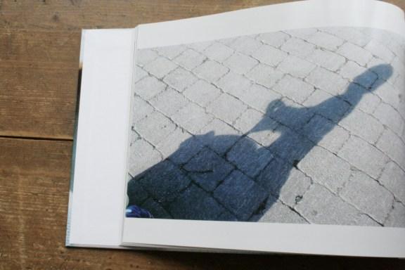 Schatzi, schenk mir ein Fotobuch! Die Schattenseite des Bobbycarfahrens. Foto: Julia Marre