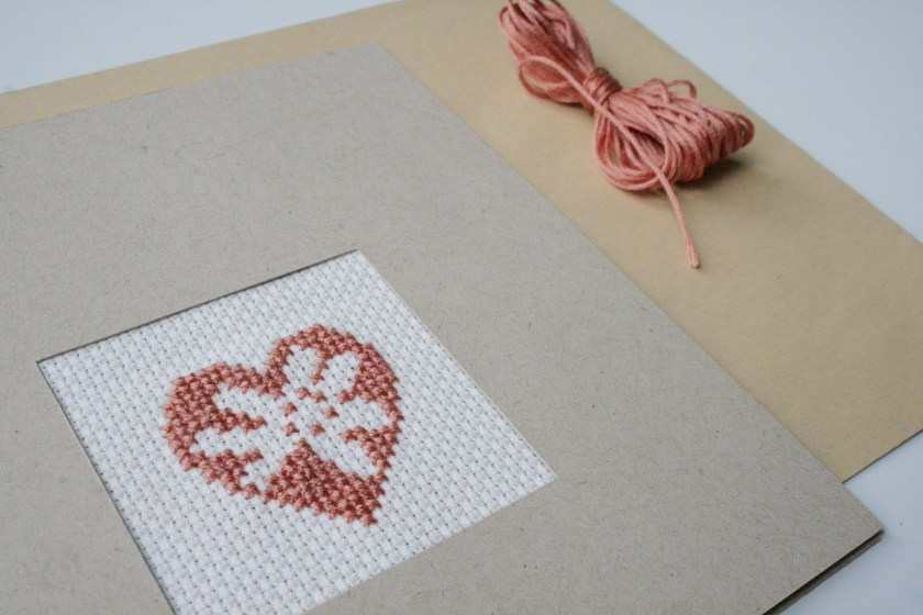 Papprahmen für Handarbeit. Foto: Julia Marre