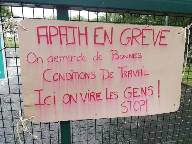 [photos] Deuxième jour de grève à l'APAJH de Targé