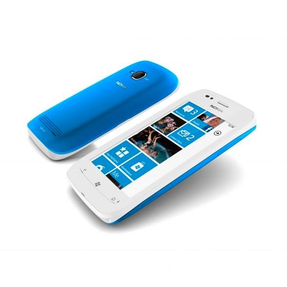 Nokia Lumia 710, el hermano menor del Lumia 800 con Windows Phone - Nokia-Lumia-710