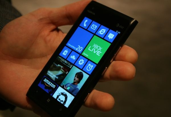windows phone 7 Se muestra un video de consolación para usuarios de Lumia 900 corriendo Windows Phone 7.8