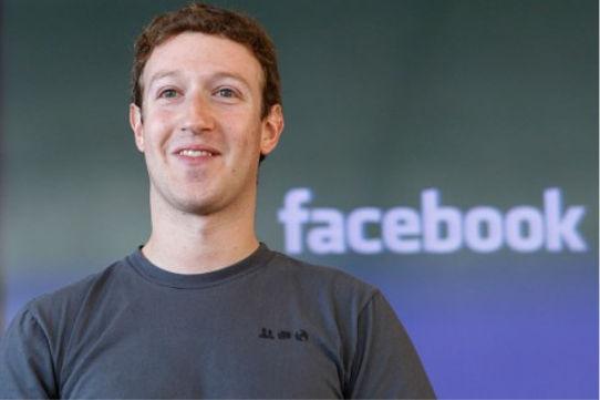 Mark Zuckerberg afirmó que usa camisetas idénticas todos los días - camisas-iguales