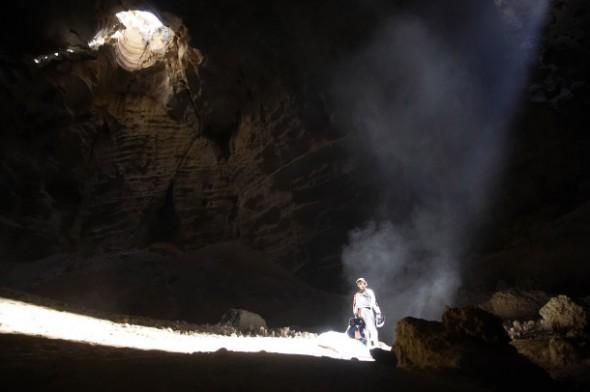 ¿Quién es Felix Baumgartner? Te mostramos un top de sus cinco mejores saltos - felix-baumgartner-spirit-caves-590x392