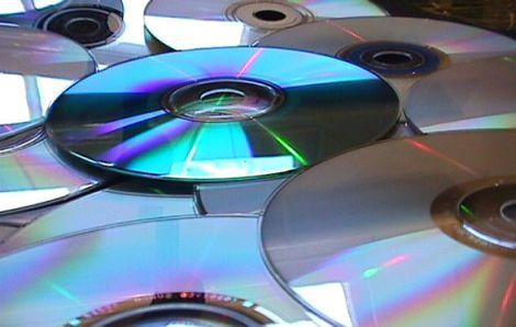 Hoy se cumplen 30 años del lanzamiento del primer disco compacto (CD) - primeros-cds
