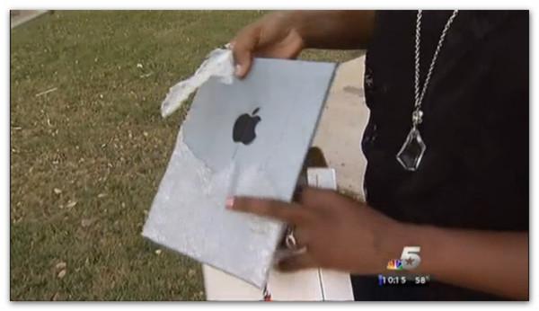Mujer compra iPad de 64GB por sólo 200 dólares a un desconocido y resulta ser un espejo envuelto - ipad-espejo-papel