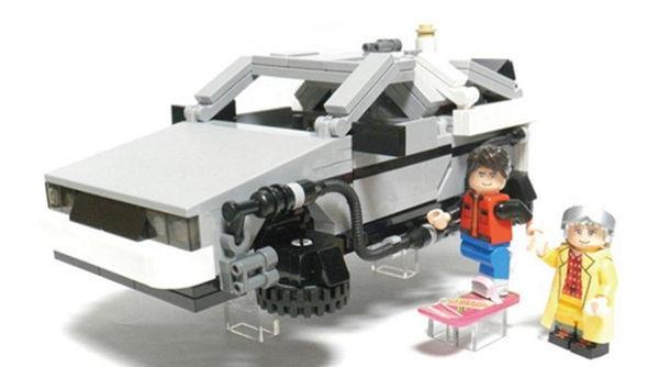 LEGO de Volver al Futuro llegará a mediados del 2013 - LEGO-volver-al-futuro