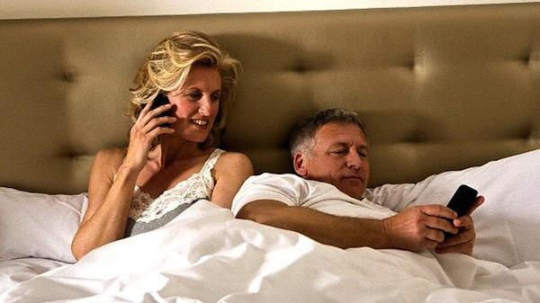 En el sexo, las personas prefieren a sus tabletas que a su pareja revela estudio - Sexo-tabletas
