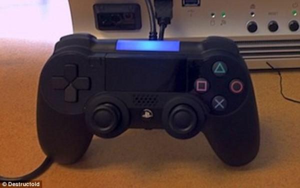 Aparecen nuevas imágenes del prototipo del nuevo control del PS4 - ps4-controller-600x376