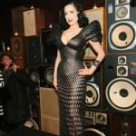 Dita Von Teese luce el primer vestido impreso en 3D - dita-von-teese-impresion-3d