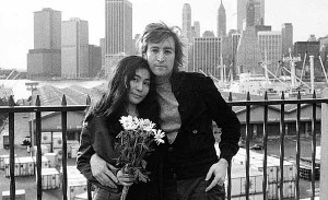 Recuerdan en Twitter a John Lennon