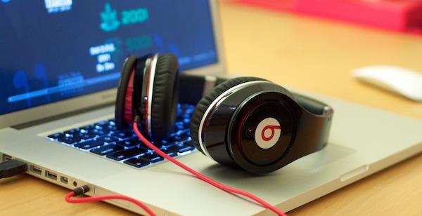 Apple y Beats Electronics sostuvieron pláticas sobre un posible servicio de música por streaming - pstam_dre_beats_mbp_1200