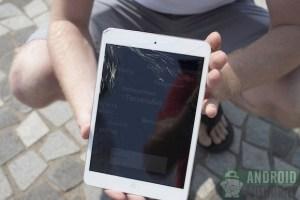 iPad Mini vs Nexus 7 ¿Cuál resiste más a los golpes y caídas? [Video]