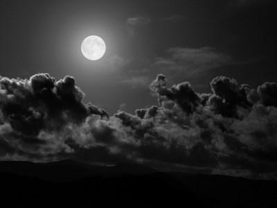 La Luna Llena nos perjudicaría el sueño