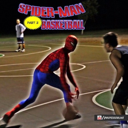 Spiderman sabe jugar al basketball [Video]