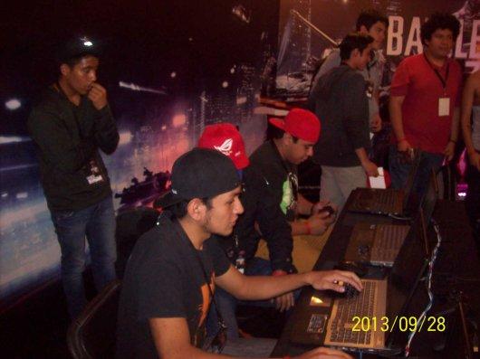 La laptop ASUS G750 demostró su poderío en el torneo Republic of Gamers (ROG) - 100_3345_1