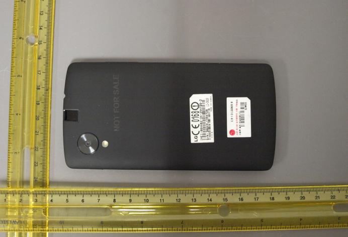 Aparecen fotografías del nuevo Nexus 5 - 179193-nexus5fccleakrear