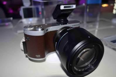 Samsung lanza sus nuevas Smart Cameras NX300 y NX2000 - nuevas-smart-camera-NX-300-NX-200017