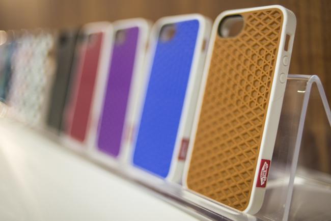 Fundas para iPhone 5 de Belkin con diseños de la marca Vans - fundas-vans-belkin-portada