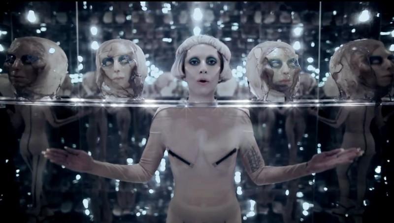 Lady Gaga viajará al espacio para cantar en el 2015 - gagag-800x453