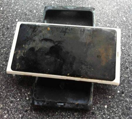 Nokia Lumia 800 pasa más de 3 meses en un lago y aún funciona