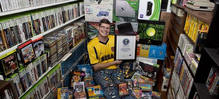 El hombre con el Récord Guinness por la más grande colección de videojuegos - 116