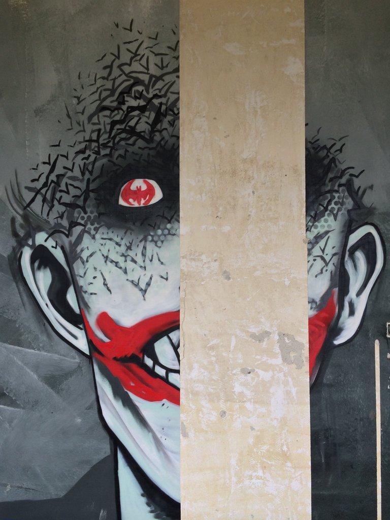 Fabulosos graffitis de Batman encontrados en hospital abandonado - 61