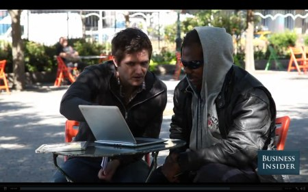 Hombre sin hogar aprende a programar y crea una aplicación para iOS y Android
