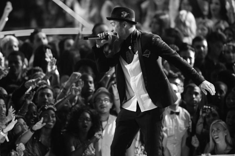 Inician los 12 días de regalo de Apple con Justin Timberlake - justin-timberlake-itunes-festival-800x532