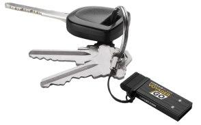 Corsair presenta una Flash USB compatible con PCs, Smartphones y tablets Android - VoyagerGo_on_keychain