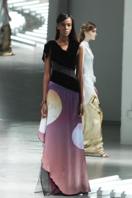 Vestidos de Star Wars hacen presencia en el New York Fashion Week - star-wars-fashion-week-4-533x800