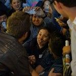 Estreno de la semana en el cine: Need For Speed: La película - Actor_Aaron_Paul_and_a_fan_in_shock_Mexico_Premiere_of_DreamWorks_Pictures_NEED_FOR_SPEED_on_March_8_2014_at_the_Cinepolis_Patio_Santa_Fe_in_Mexico_City._Photo_by_Julio_Pineda