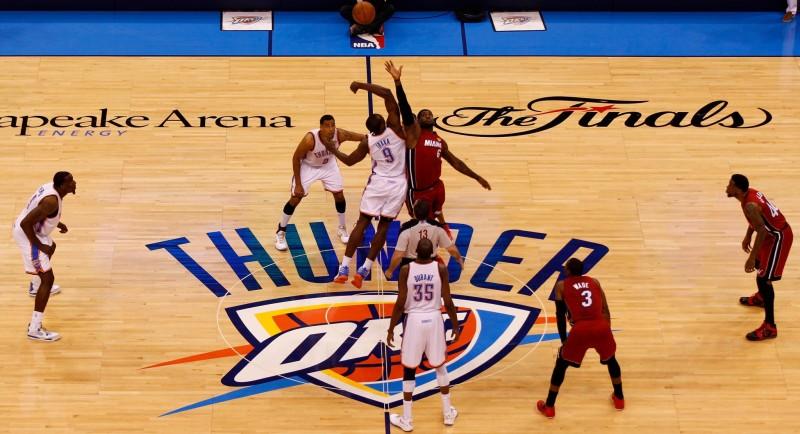 Ver los playoffs NBA en vivo y gratis de manera oficial - playoffs-nba-en-vivo1-800x434