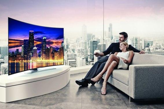 Pantallas Samsung UHD curvas llegan a México - Curved-UHD-TV_Curved-Screen_Night