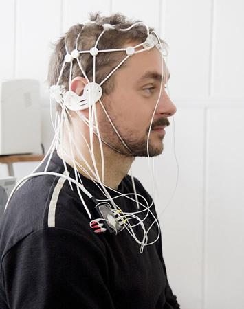 Mexicano crea tecnología capaz de mover objetos con el pensamiento - mover-objetos-pensamiento