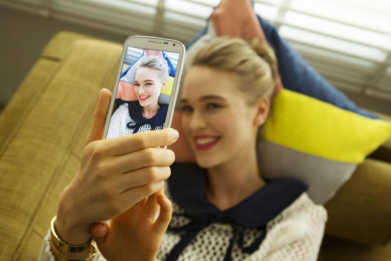 Samsung GALAXY K Zoom: Cámara profesional y smartphone - Samsung-Galaxy-K-Zoom-Selfie