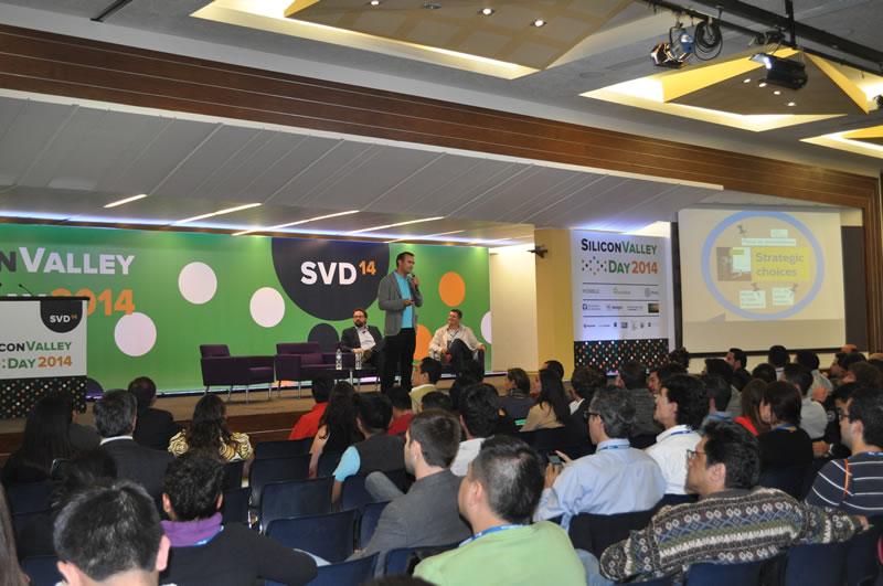 Así se vivió el primer Silicon Valley Day en México - Adam-Somlai-Fischer-Prezi