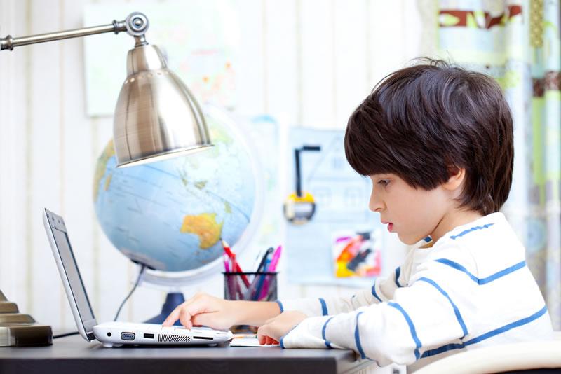 Consejos para que los niños naveguen seguros en internet este nuevo curso escolar - Consejos-para-que-los-ninos-naveguen-seguro-en-internet