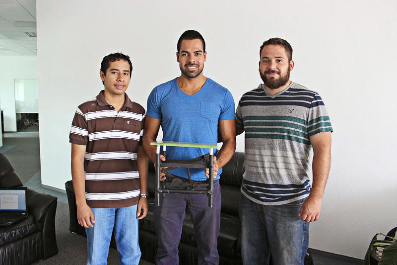 Estudiantes del Tec de Monterrey generan electricidad con tecnología que convierte pisadas en energía - Energy-Floor-Energia-Pisadas-Tec-de-Monterrey