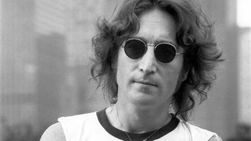 John Lennon: 74 años de un ícono - john-lennon-1-800x450