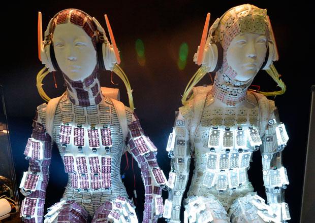 Sorprendentes robots y androides en la semana del diseño en Tokio - keitai-girl
