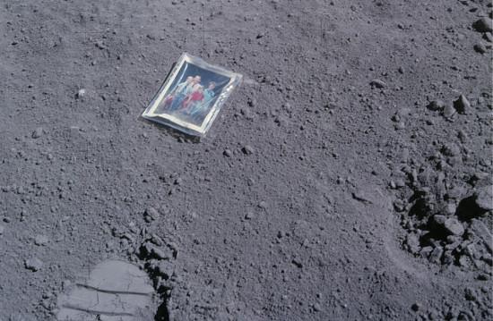 Datos curiosos sobre la luna - objetos-dejados-en-la-luna