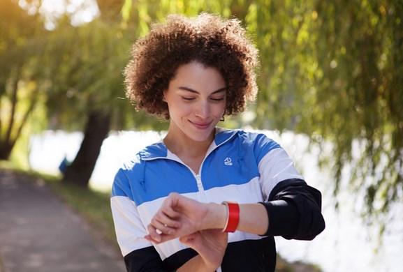 .Klatz: un smartwatch, pulsera y teléfono todo en uno - reloj-inteligente-klatz