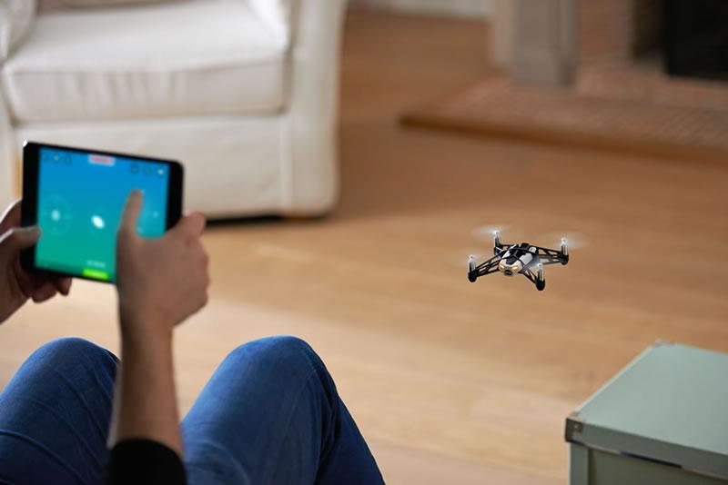 Parrot presenta sus MiniDrones Rolling Spider y Jumping Sumo en México - Drone-Parrot-Rolling-Spider