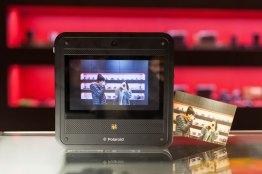 Socialmatic, la nueva cámara de fotos instantáneas de Polaroid llega en Enero y ya puedes preordenarla  - Polaroid-Socialmatic-fotos-instantaneas