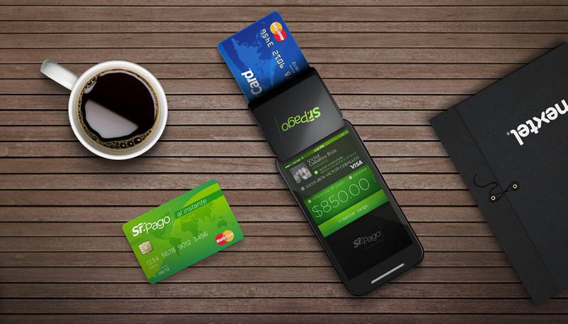 Lanzan plan para realizar cobros con tarjeta de crédito sin tener cuenta bancaria o RFC - Cobro-por-tarjeta-de-credito-smartphone-sr-pago