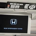 Honda Pilot 2016 quiere conquistar el segmento de SUV de tres filas de asientos - Honda-Pilot-2016-entretenimiento