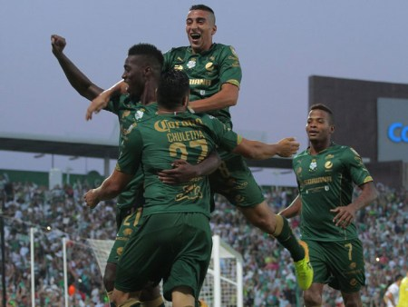 Santos goleó a Querétaro en la ida de la Final del Clausura 2015