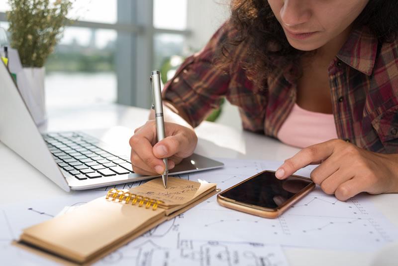 Aprende a iniciar un negocio en internet y más ¡gratis! - Iniciar-negocio-en-internet-taller