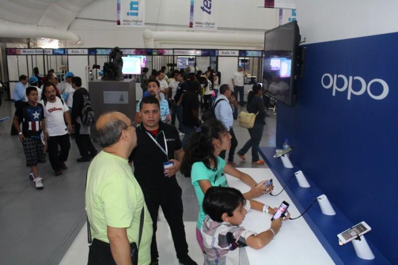 Los dispositivos 4G LTE de OPPO presentes en Aldea Digital - OPPO-Aldea-Digital2-800x533