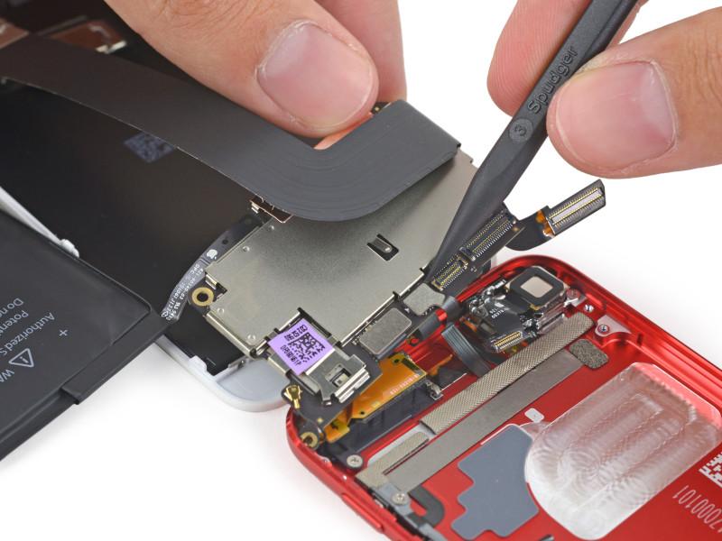 """Autopsia"" al nuevo iPod Touch 6 revela sus verdaderos cambios - iPhone-6-iFixit-2-800x600"